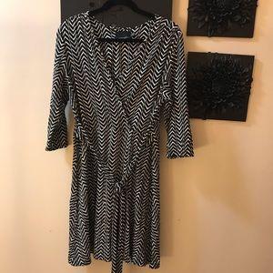 Cynthia Rowley black &white chevron pattered dress